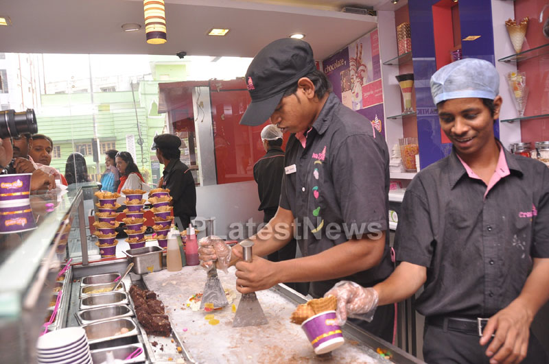 Bollywood Actor Ayushman Khurana launches Cream stone Flavours - Picture 3