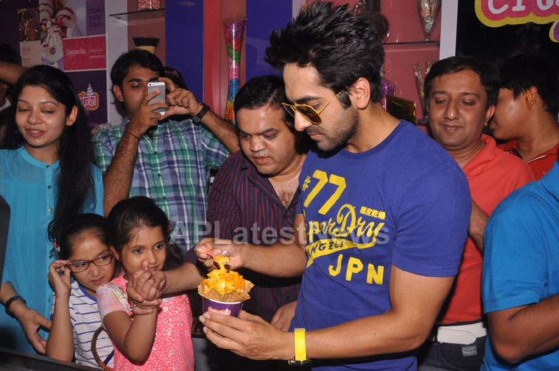 Bollywood Actor Ayushman Khurana launches Cream stone Flavours - Picture 15