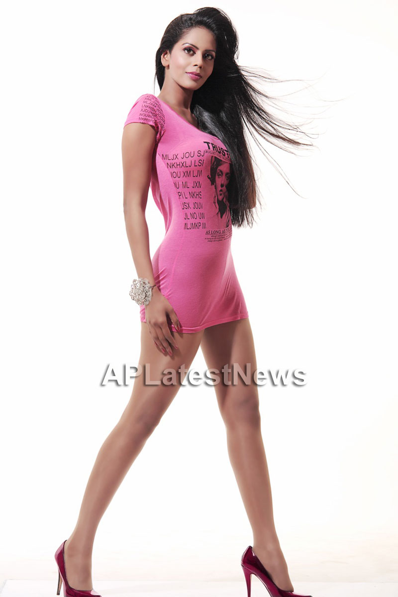 Bhairavi Goswamis Long Legs walk to stardom with - The City That Never Sleeps - Picture 5