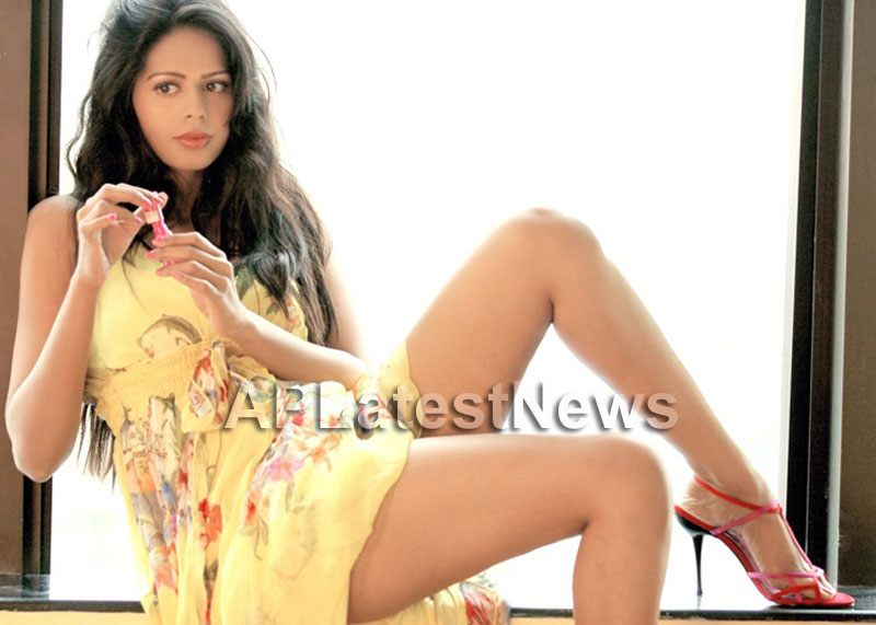 Bhairavi Goswamis Long Legs walk to stardom with - The City That Never Sleeps - Picture 3