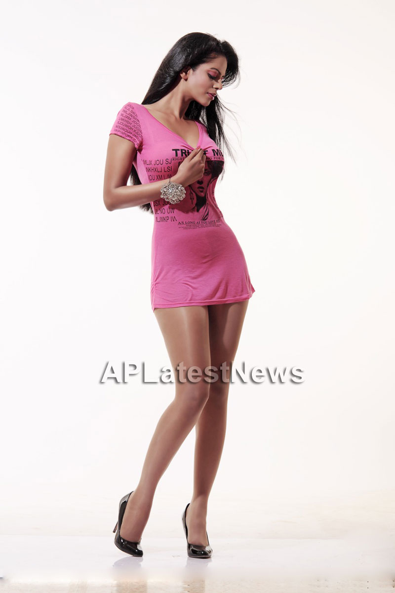 Bhairavi Goswamis Long Legs walk to stardom with - The City That Never Sleeps - Picture 1