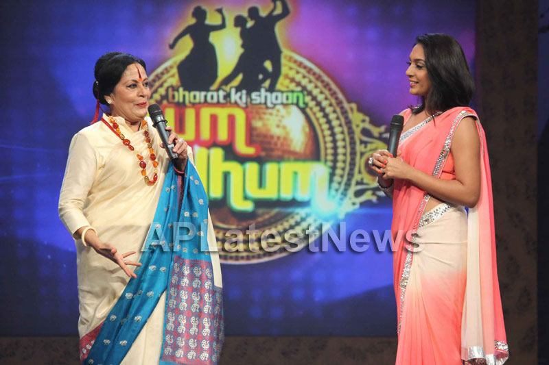 Sandip Soparrkars choreography steals the limelight at Bharat ki Shaan - Rum Jhum - Picture 7