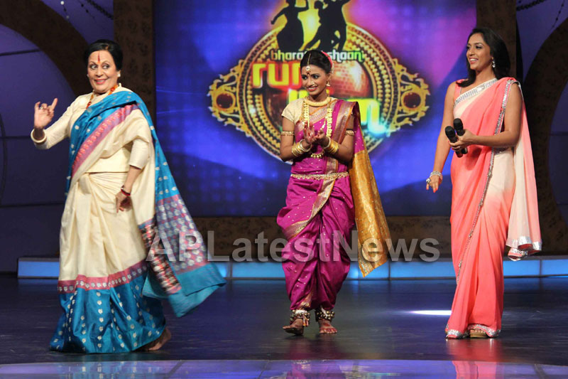Sandip Soparrkars choreography steals the limelight at Bharat ki Shaan - Rum Jhum - Picture 1