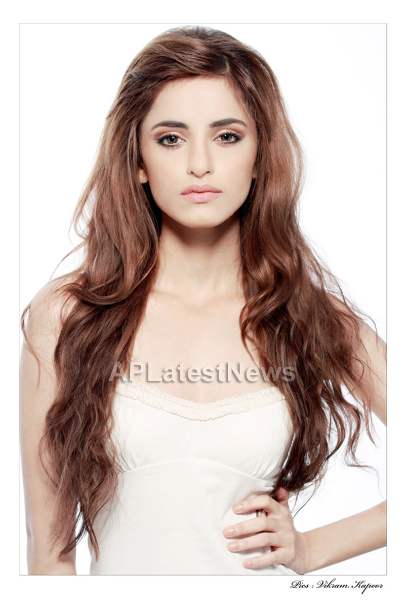 Bollywood gets a younger kareena Kapoor now in Serah Singh - Picture 1