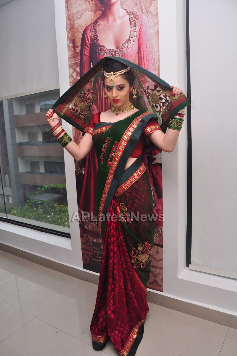 Bridal Make-up to the women of Hyderabad at Lakme, Kondapur and Somajiguda - Picture 25