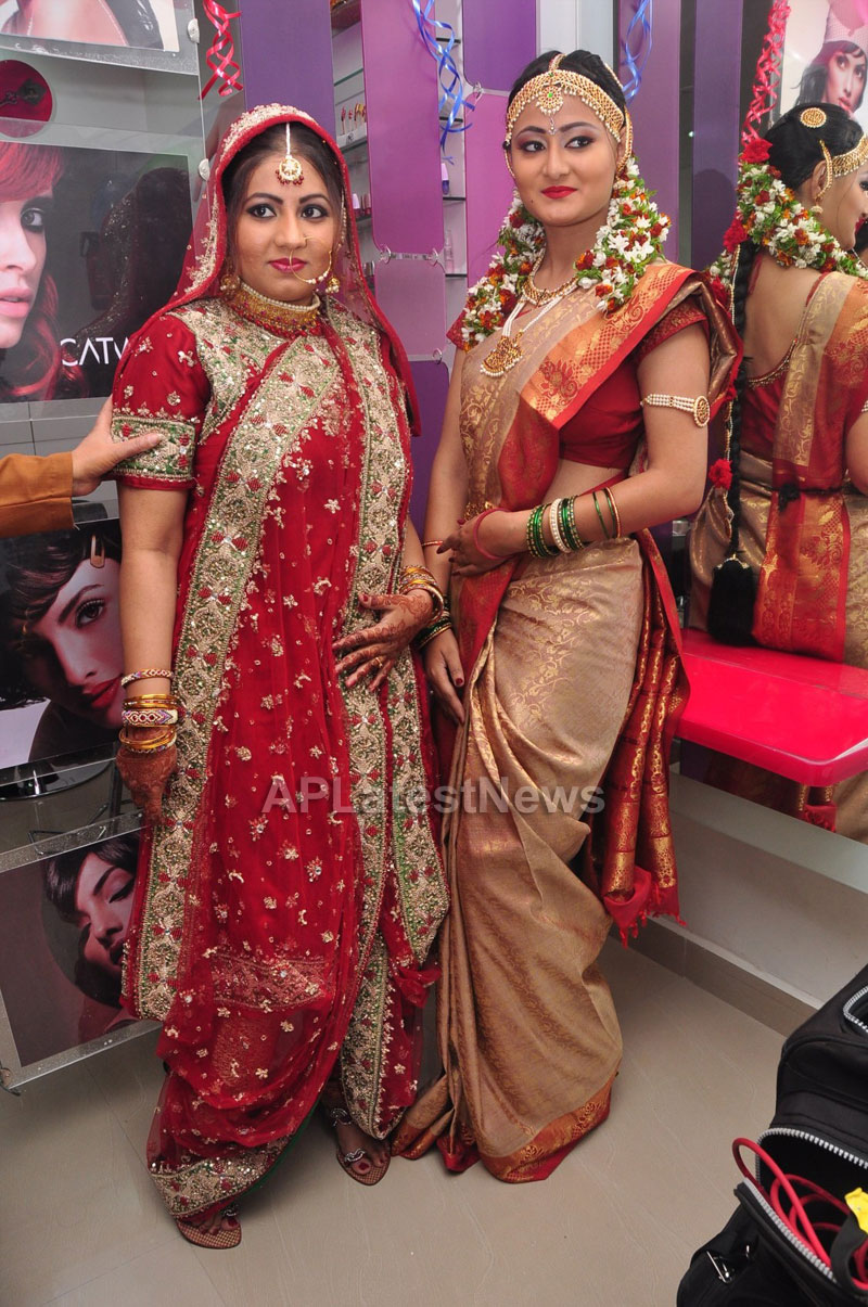 Bridal Make-up to the women of Hyderabad at Lakme, Kondapur and Somajiguda - Picture 22