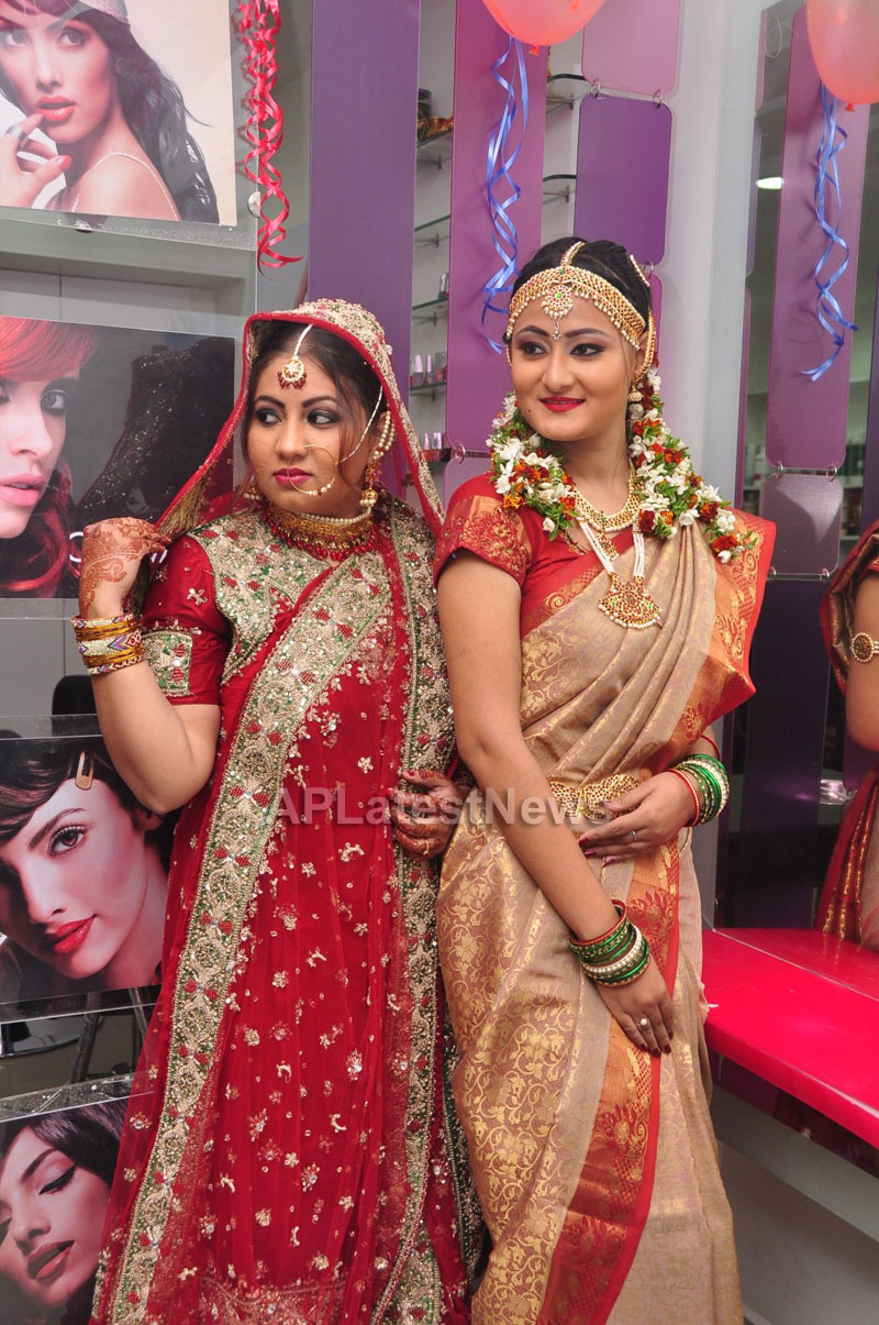 Bridal Make-up to the women of Hyderabad at Lakme, Kondapur and Somajiguda - Picture 12