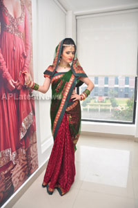 Bridal Make-up to the women of Hyderabad at Lakme, Kondapur and Somajiguda - Picture 20