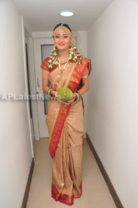 Bridal Make-up to the women of Hyderabad at Lakme, Kondapur and Somajiguda - Picture 28