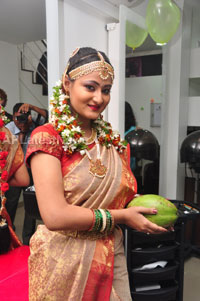 Bridal Make-up to the women of Hyderabad at Lakme, Kondapur and Somajiguda - Picture 24