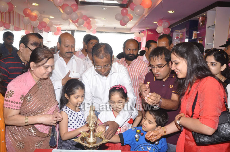 Cream Stone Ice-cream outlet opened at Kukatpally by Mr AK Khan - Picture 2