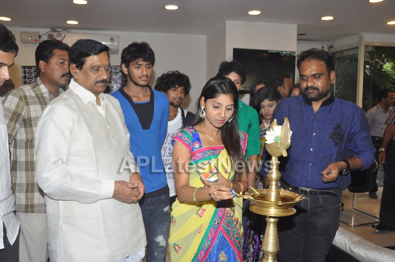 Hall of Furniture Launched at Banjara hills Inaugurated By 3G Love Movie Team - Picture 9