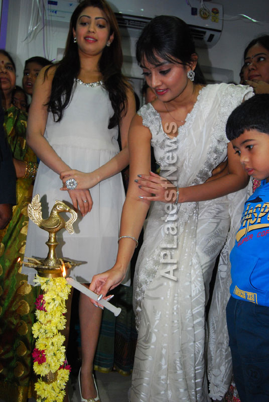 Homeo Trends Hospital Opened Inaugurated by Tollywood Actress Pranitha - Picture 19