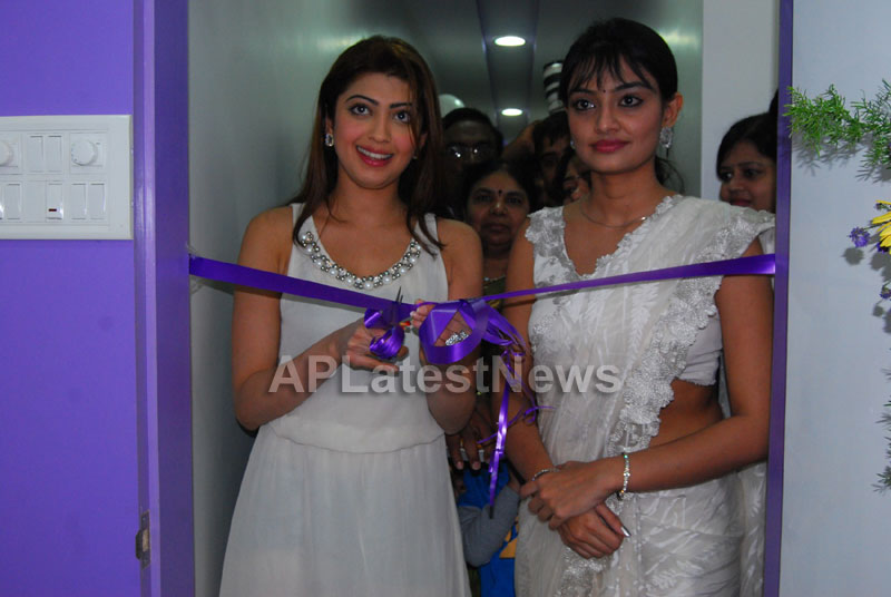 Homeo Trends Hospital Opened Inaugurated by Tollywood Actress Pranitha - Picture 2