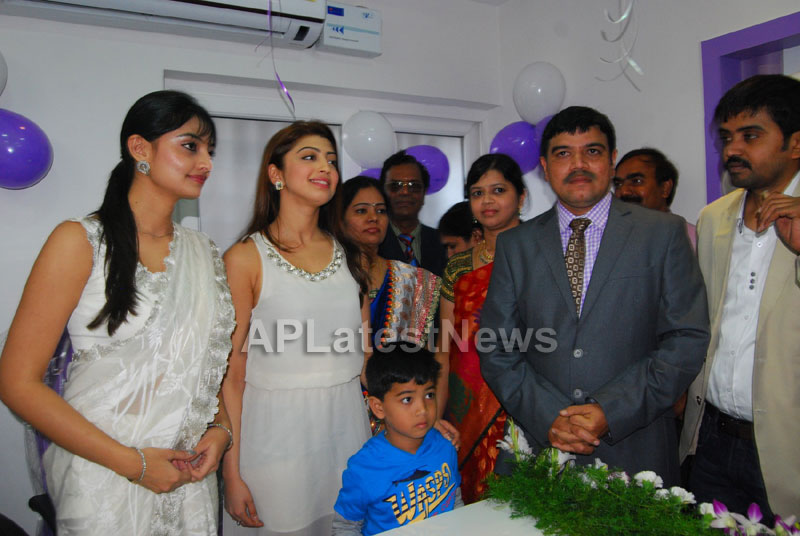 Homeo Trends Hospital Opened Inaugurated by Tollywood Actress Pranitha - Picture 6