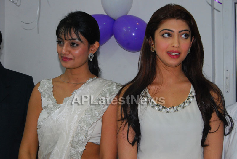 Homeo Trends Hospital Opened Inaugurated by Tollywood Actress Pranitha - Picture 15