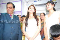 Homeo Trends Hospital Opened Inaugurated by Tollywood Actress Pranitha - Picture 11