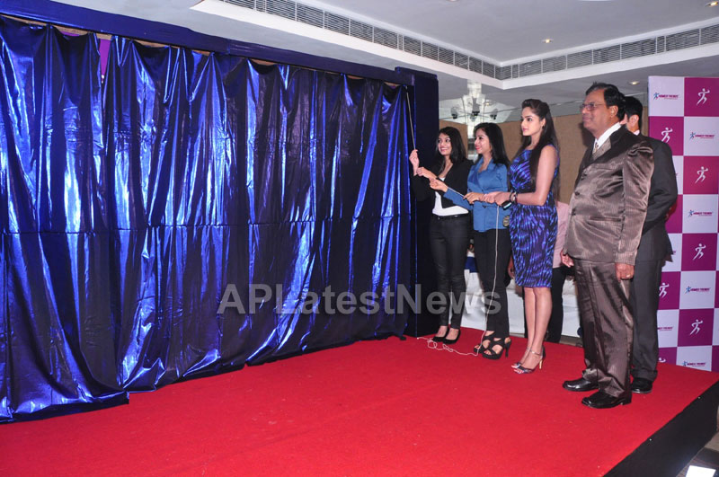 Homeo Trends Launched by Tollywood Actress Nikitha, Asmita and Swathi, Hyderabad - Picture 2