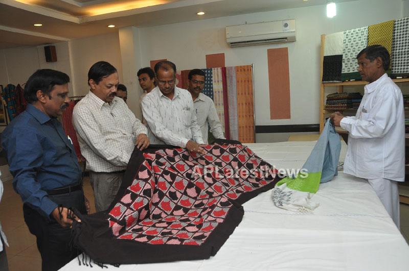 Pochampally IKAT Mela 2013 - Somajiguda - Launched by Chiranjivulu - Picture 12