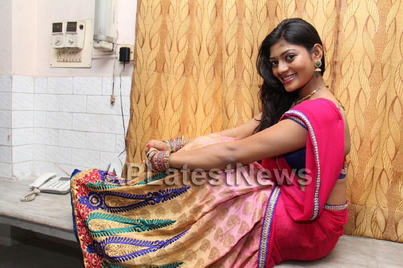 Artisans showcase their work at Pochampally IKAT Art Mela - Actress Sowmya, Secunderabad - Picture 19