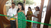 Pochampally Ikat art mela in Vizag city - Inaugurated by Tollywood Actress Varsha  - Picture 12