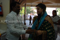 Pochampally Ikat art mela in Vizag city - Inaugurated by Tollywood Actress Varsha  - Picture 11