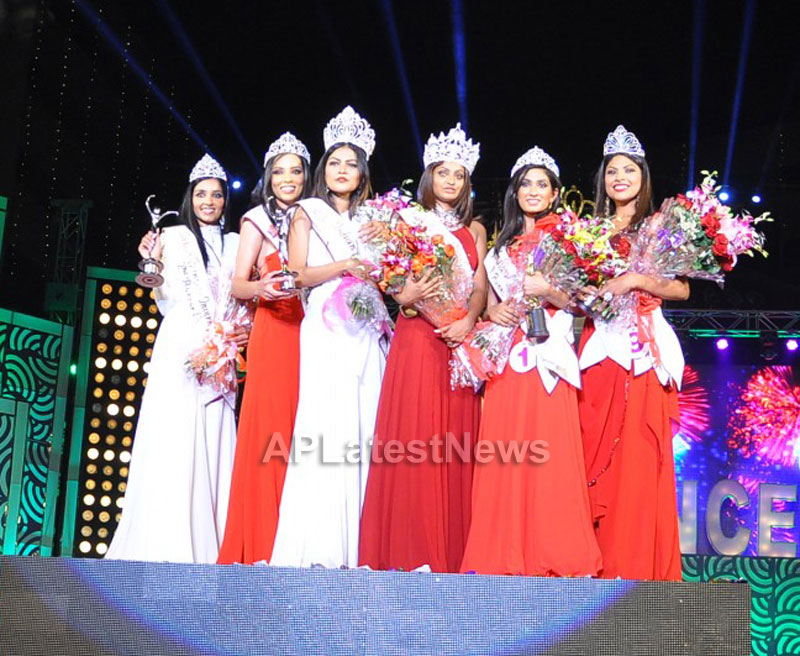 Indian Princess International Winners 2013 - Models Sizzle at Grand Finale - Picture 12