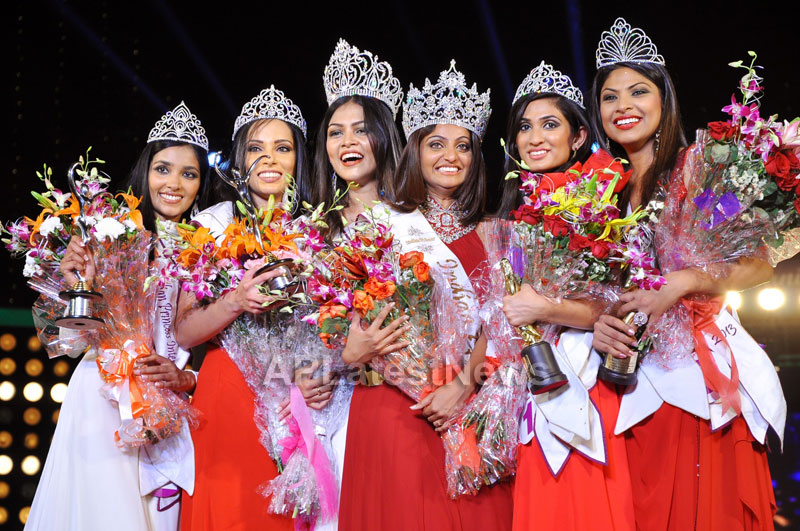 Indian Princess International Winners 2013 - Models Sizzle at Grand Finale - Picture 8