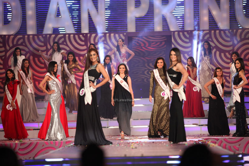 Indian Princess International Winners 2013 - Models Sizzle at Grand Finale - Picture 5