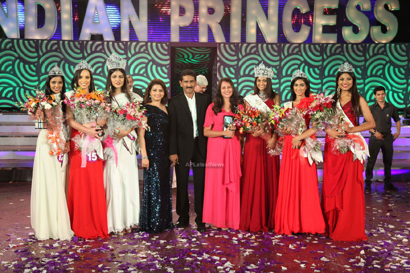 Indian Princess International Winners 2013 - Models Sizzle at Grand Finale - Picture 13