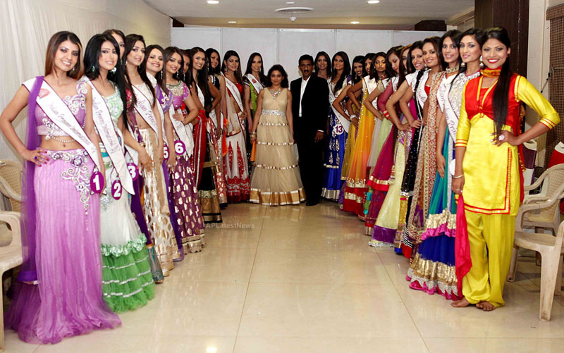 Indian Princess International Winners 2013 - Models Sizzle at Grand Finale - Picture 18