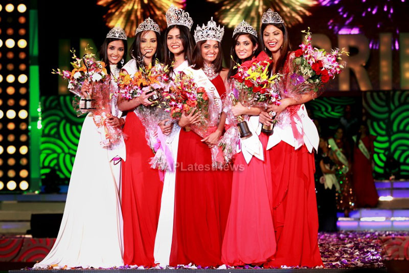 Indian Princess International Winners 2013 - Models Sizzle at Grand Finale - Picture 2