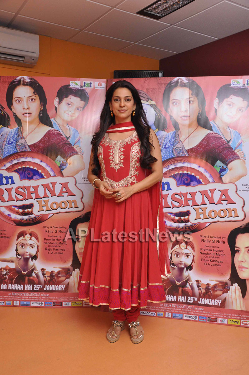 Juhi Chawla Loves Family Oriented Movie - Picture 4