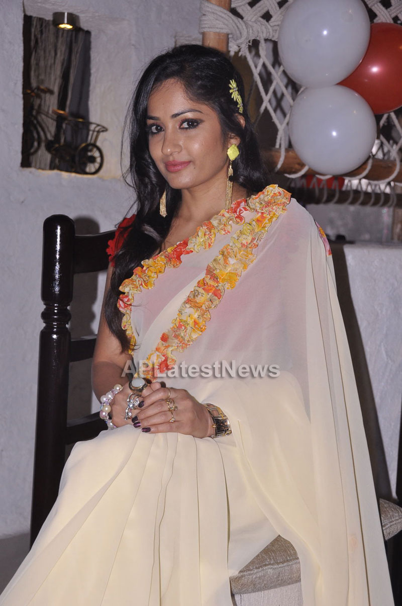 Kadai Restaurant Launched at Lingampally -Inaugurated by Actress Madhavi Latha - Picture 10