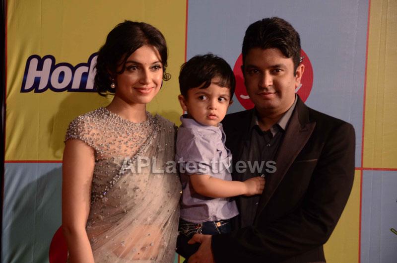 Shahrukh, Hrithik, Deepika, Serah and Jaqueline at Kids Choice Award 2013 - Picture 12