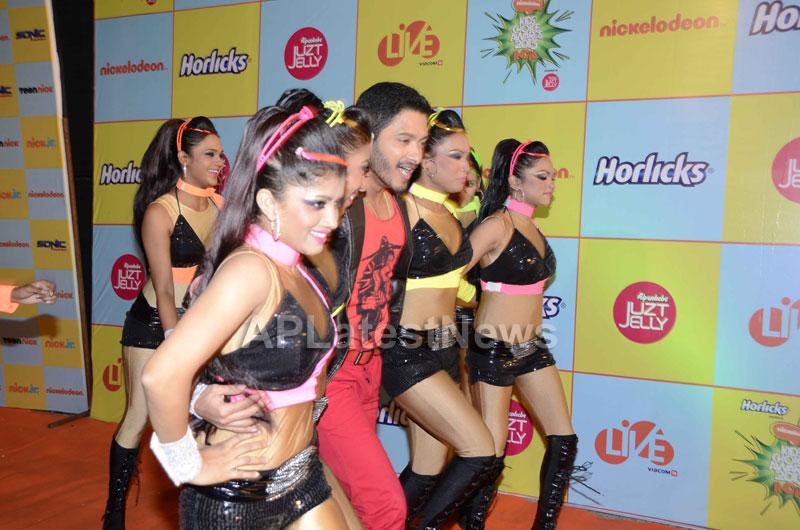 Shahrukh, Hrithik, Deepika, Serah and Jaqueline at Kids Choice Award 2013 - Picture 13