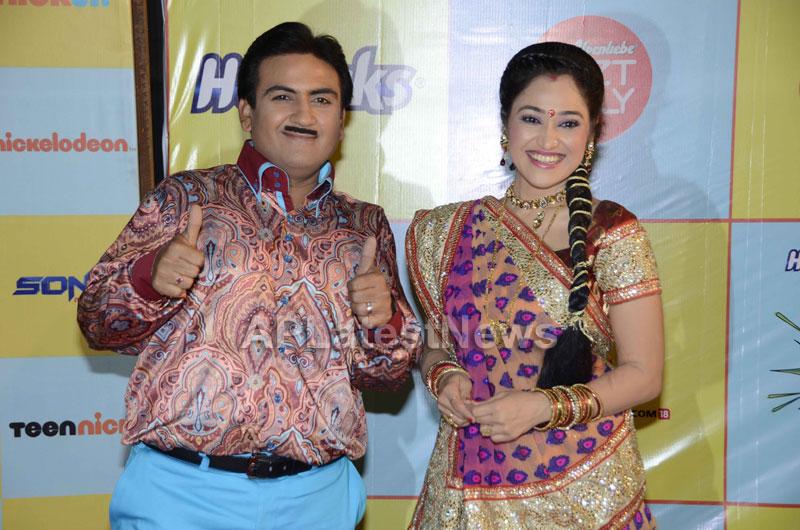 Shahrukh, Hrithik, Deepika, Serah and Jaqueline at Kids Choice Award 2013 - Picture 17