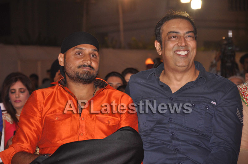 Bollywood Celebrating Lohri Di Raat in Mumbai - Picture 20