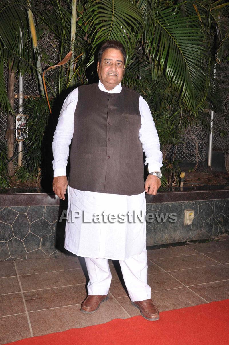 Bollywood Celebrating Lohri Di Raat in Mumbai - Picture 14