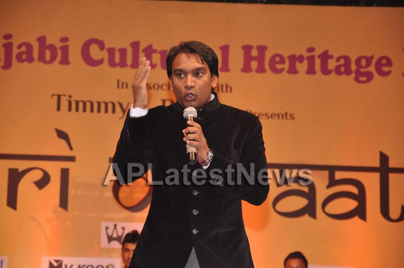 Bollywood Celebrating Lohri Di Raat in Mumbai - Picture 16