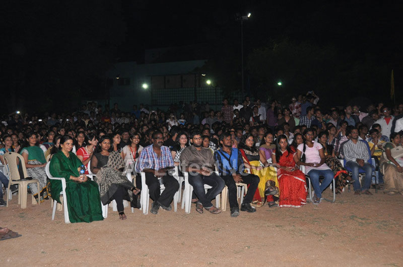 Medicos music, masti - Sri Ramachandra troupe rocks with live concert - Picture 6