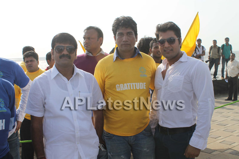 Mumbai Walks on International world peace day with the message of Human values - Picture 11