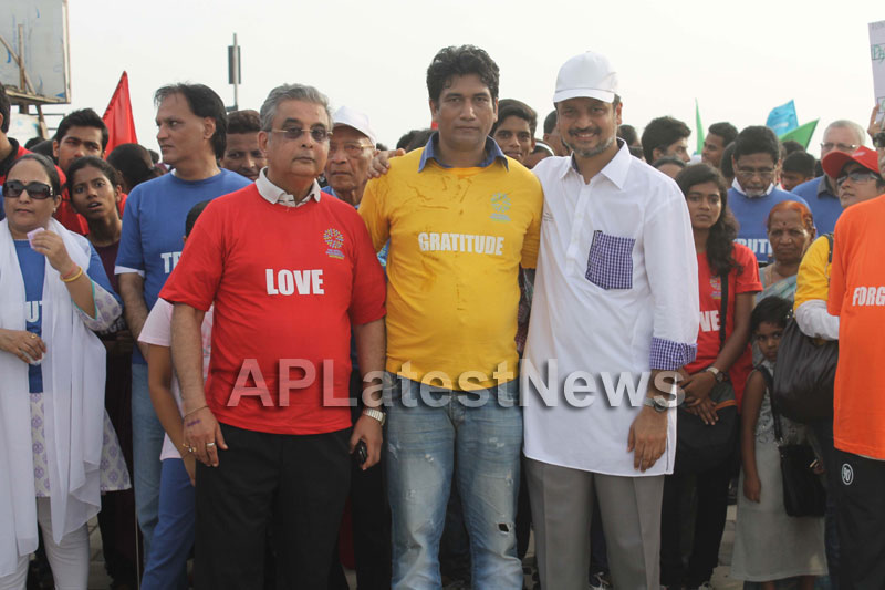 Mumbai Walks on International world peace day with the message of Human values - Picture 8