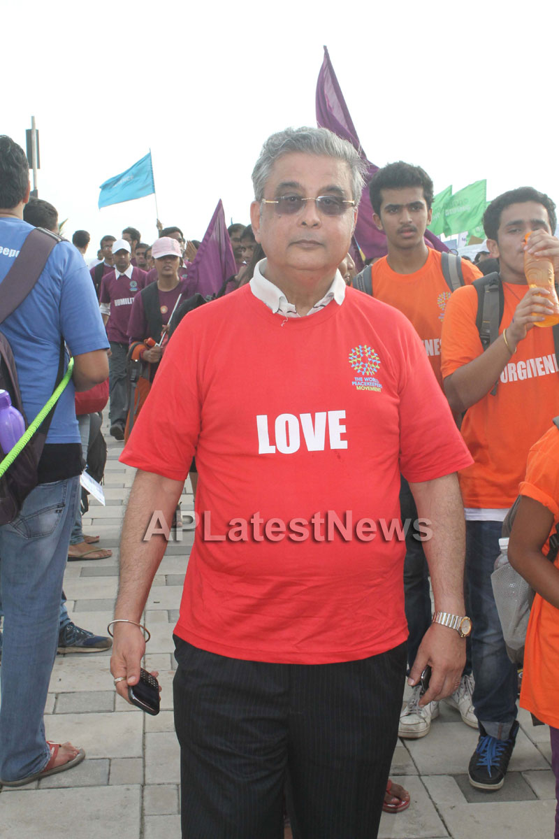 Mumbai Walks on International world peace day with the message of Human values - Picture 18