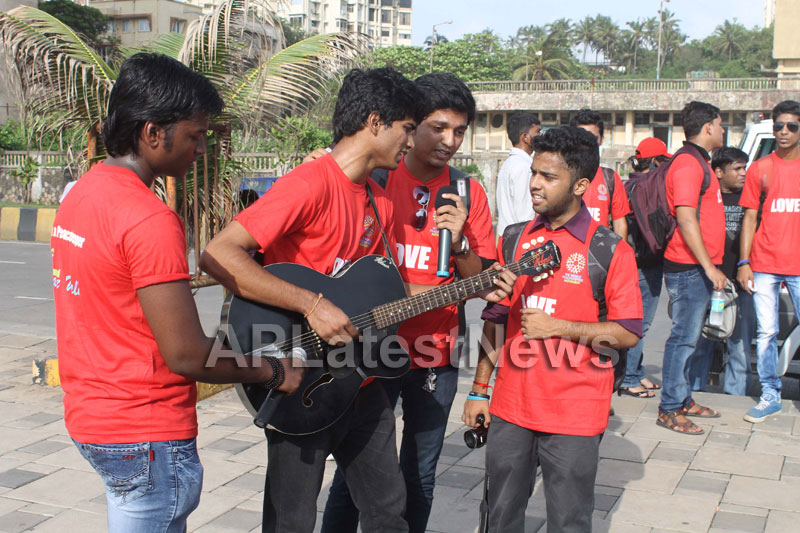 Mumbai Walks on International world peace day with the message of Human values - Picture 21