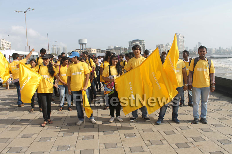 Mumbai Walks on International world peace day with the message of Human values - Picture 19