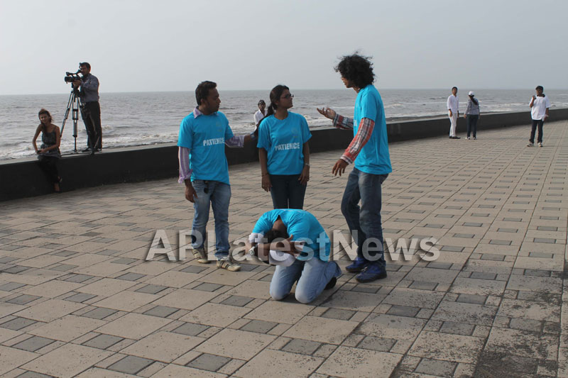 Mumbai Walks on International world peace day with the message of Human values - Picture 17