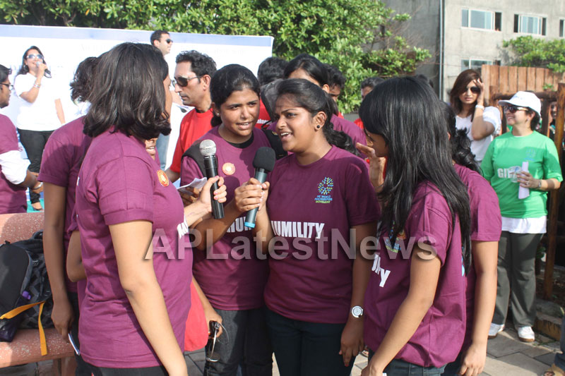 Mumbai Walks on International world peace day with the message of Human values - Picture 15