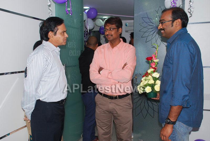 Naturals open Family Salon and Spa by Prema Ishq Kadal Movie Team, Bhimavaram - Picture 21