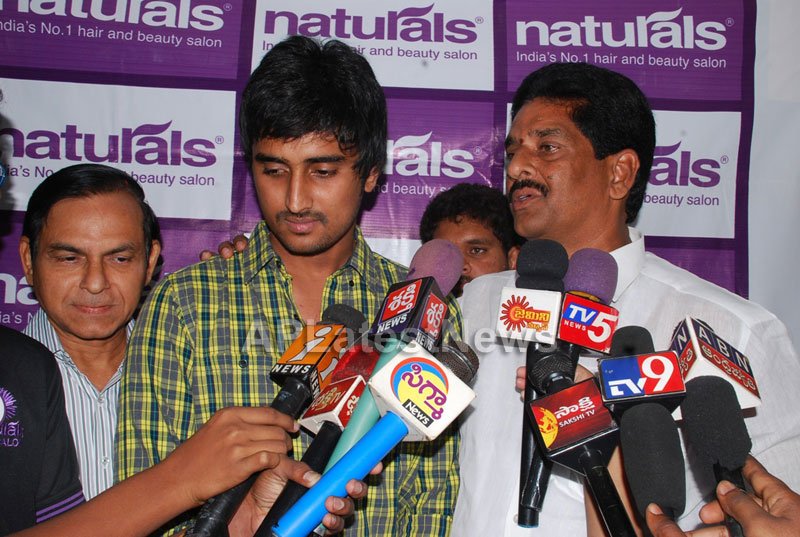 Naturals open Family Salon and Spa by Prema Ishq Kadal Movie Team, Bhimavaram - Picture 12